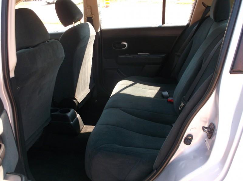 Nissan Versa 2012 price $4,000