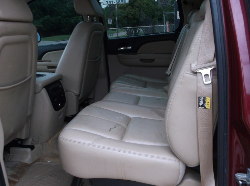 Chevrolet Avalanche 2007 price $10,000