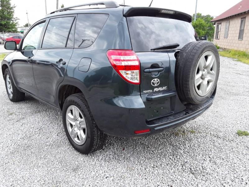 Toyota RAV4 2009 price $5,500
