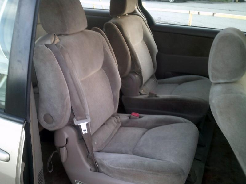 Toyota Sienna 2005 price $3,500
