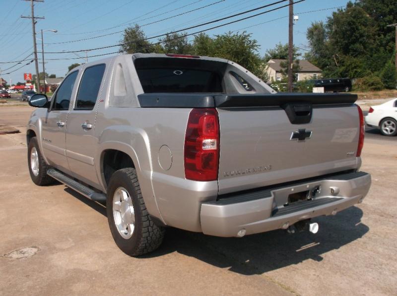 Chevrolet Avalanche 2007 price $7,000
