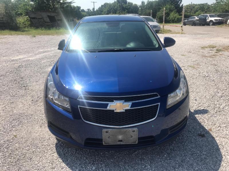 Chevrolet Cruze 2013 price $6,000