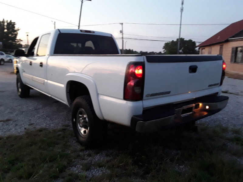 Chevrolet Silverado 2500HD 2004 price $5,000