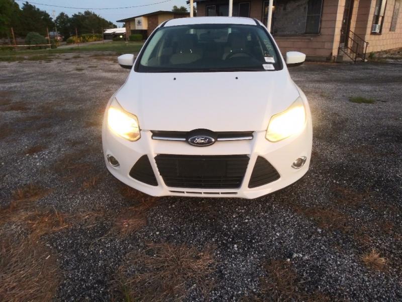 Ford Focus 2012 price $3,000