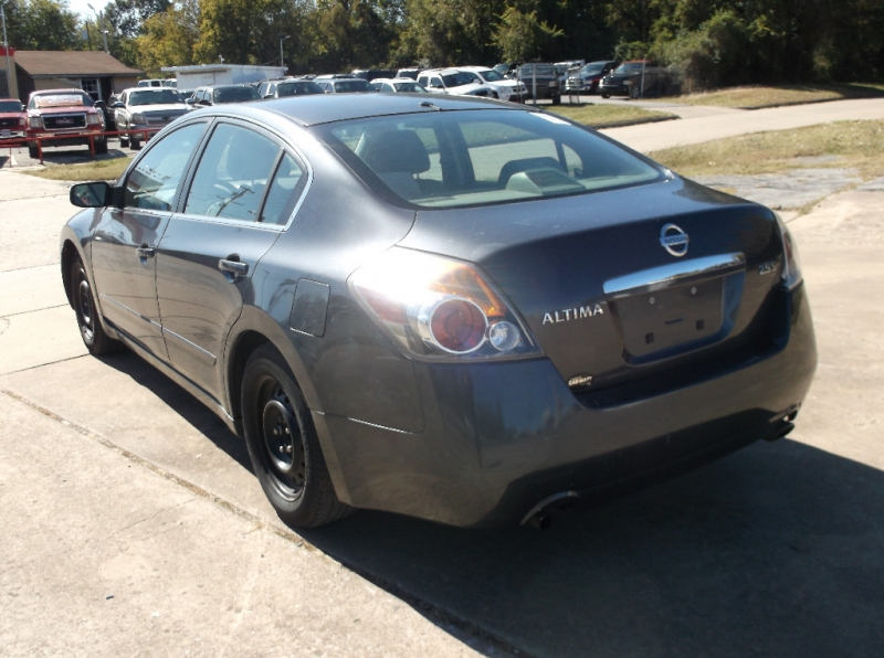 Nissan Altima 2008 price $3,000