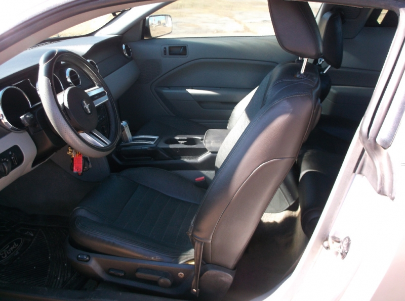 Ford Mustang 2007 price $4,000