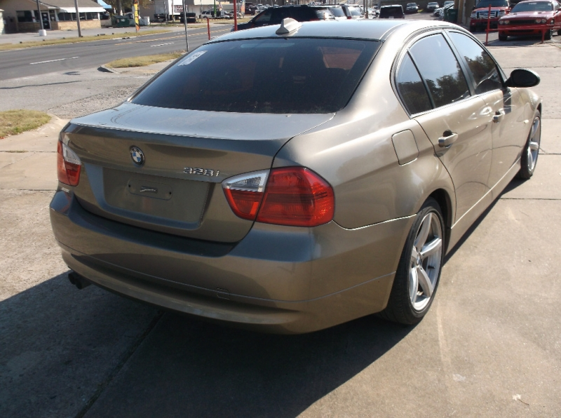 BMW 3-Series 2007 price $4,000