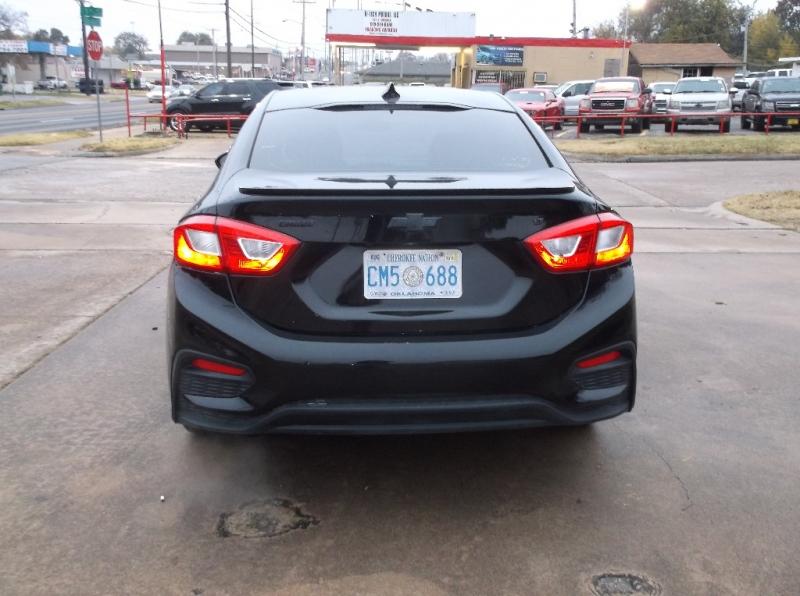 Chevrolet Cruze 2017 price $10,000