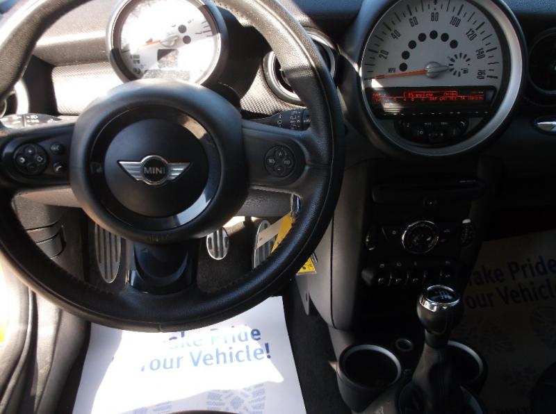 Mini Cooper Hardtop 2012 price $6,000