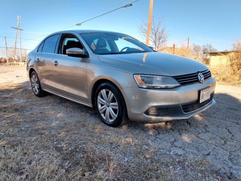 Volkswagen Jetta Sedan 2013 price $6,000