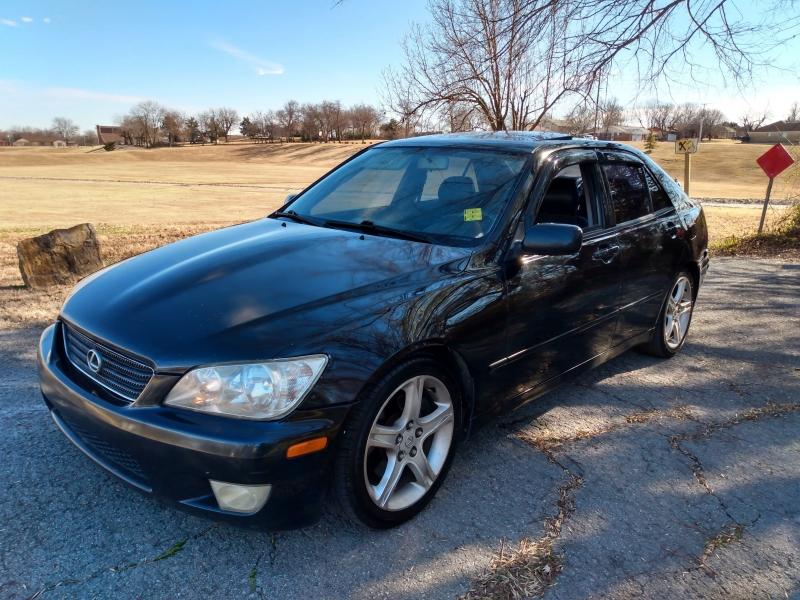 Lexus IS 300 2001 price $4,000