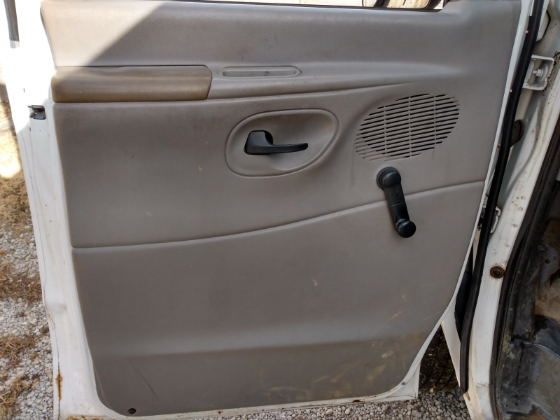 Ford Econoline Cargo Van 2001 price $2,500