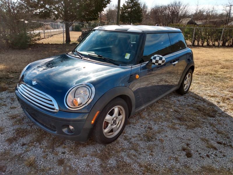 Mini Cooper Hardtop 2010 price $5,000