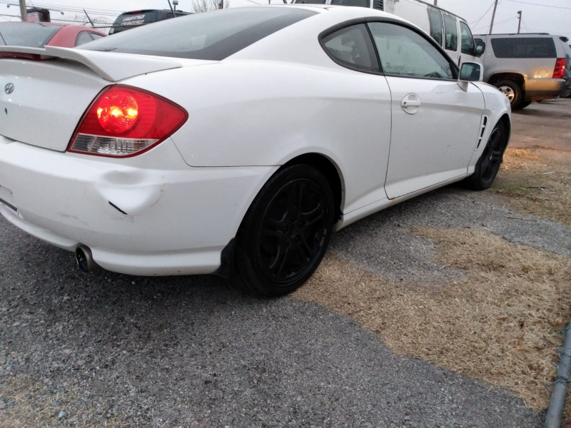 Hyundai Triburon 2006 price $2,000