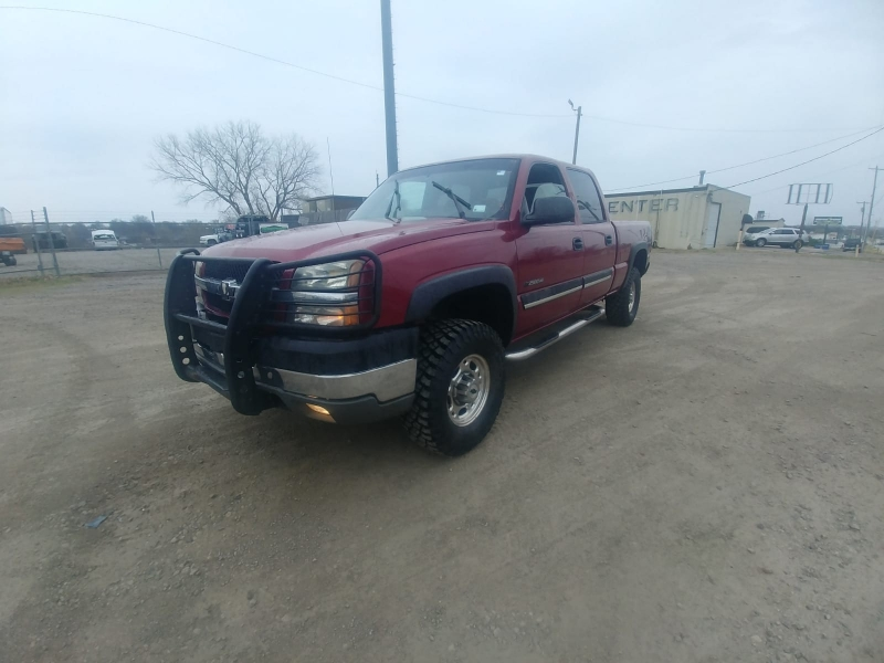 Chevrolet Silverado 2500HD 2004 price $6,500