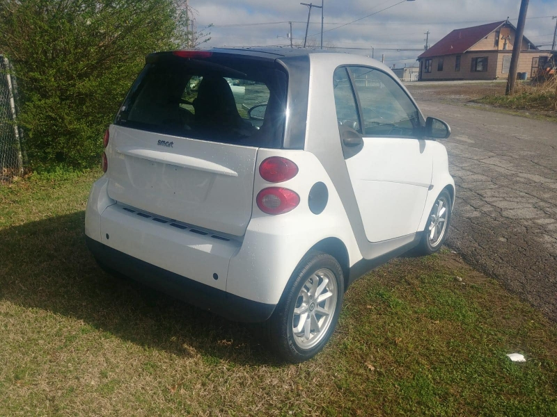 Smart fortwo 2009 price $3,500