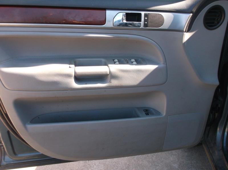 Volkswagen Touareg 2005 price $4,000