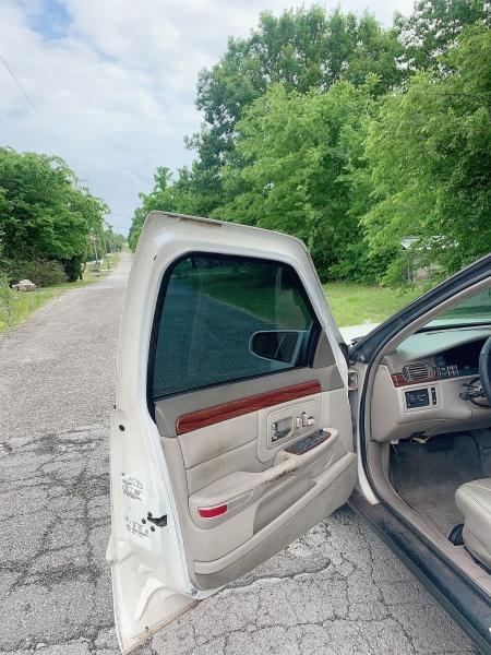 Cadillac DeVille 1999 price $2,000