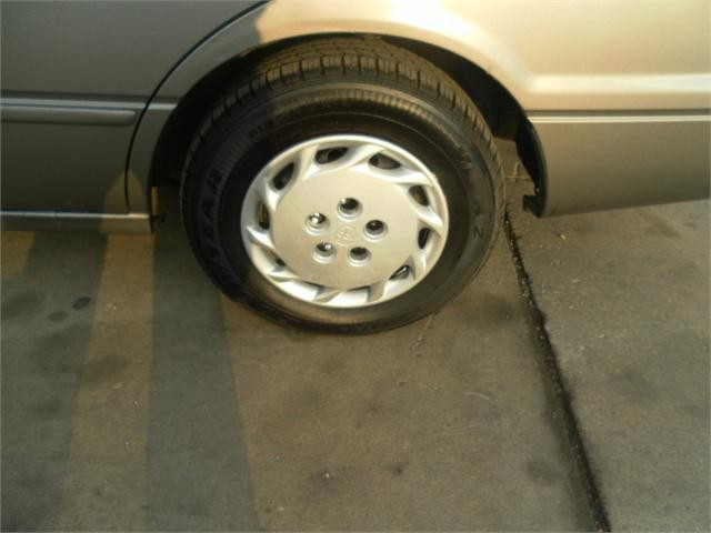 Toyota Camry 1997 price $2,000