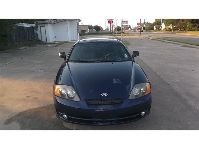 Hyundai Tiburon 2003 price $2,500