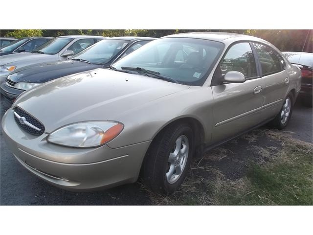 Ford Taurus 2000 price $2,000
