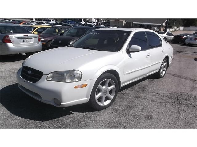 Nissan Maxima 2000 price $2,500