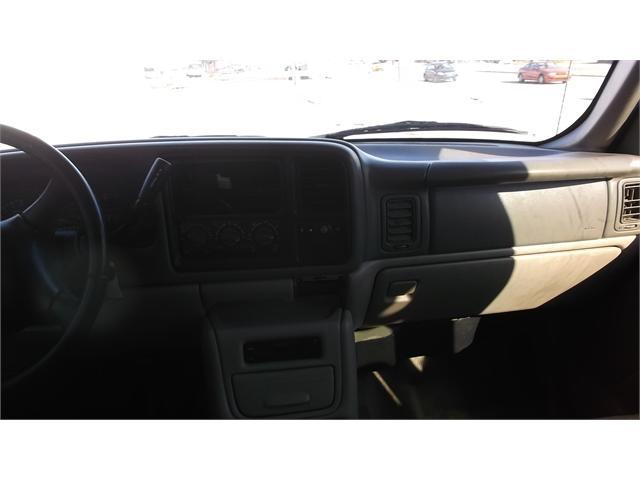 GMC Yukon XL 2000 price $2,500
