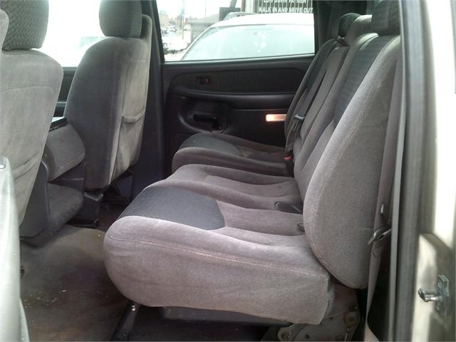 Chevrolet Avalanche 2003 price $3,500