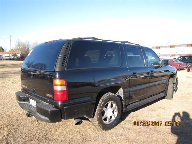 GMC Yukon Denali 2002 price $2,500
