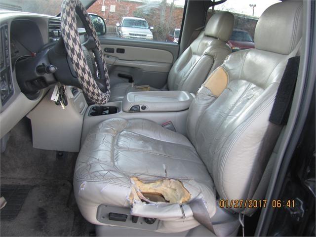 Chevrolet Suburban 2001 price $2,000
