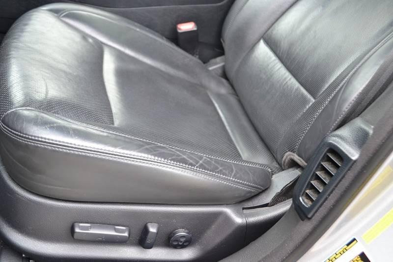 Hyundai Genesis 2010 price $6,750