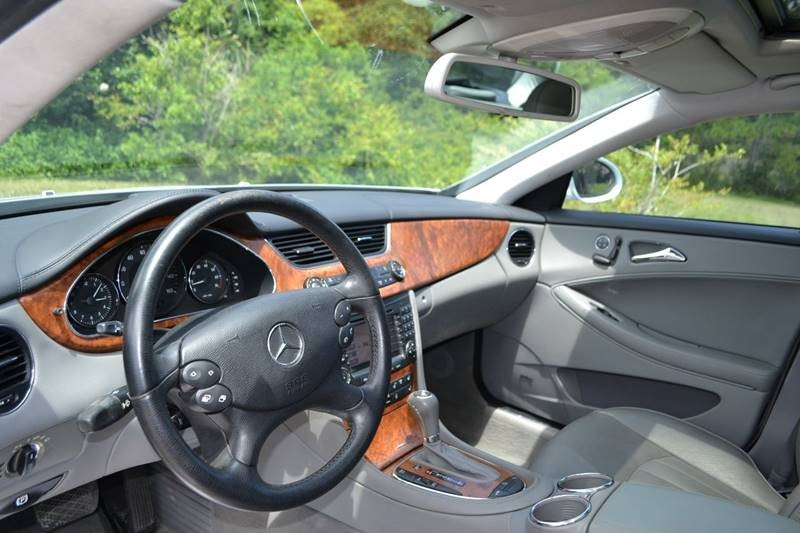 Mercedes-Benz CLS 2006 price $10,865