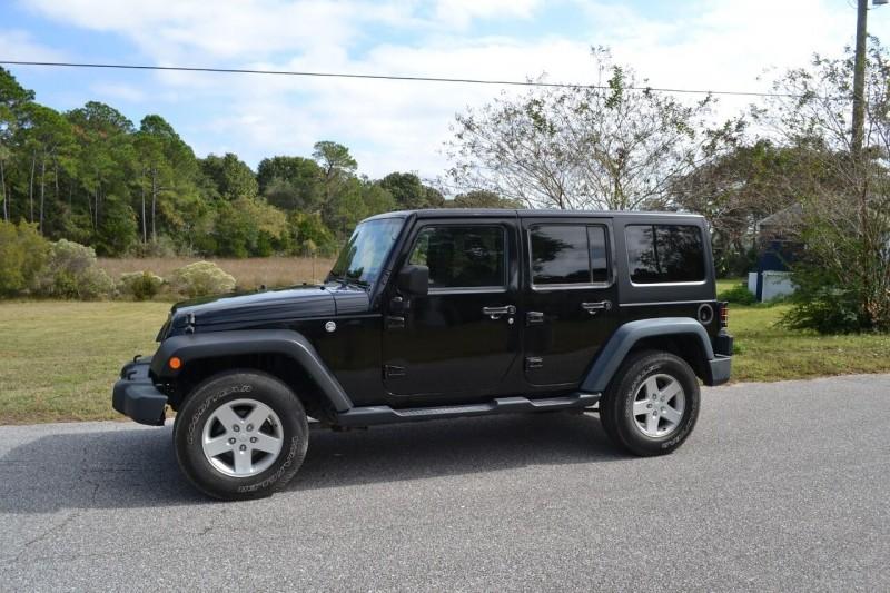 Jeep Wrangler Unlimited 2015 price $22,725