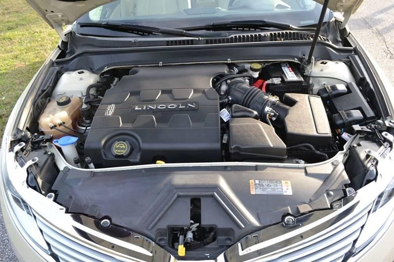 Lincoln MKZ 2015 price $15,300