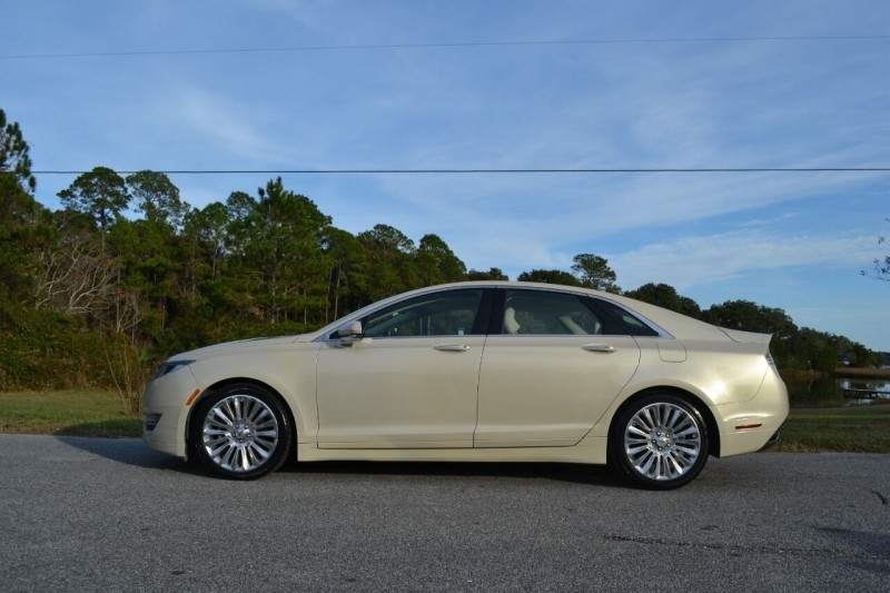 Lincoln MKZ 2015 price $15,300