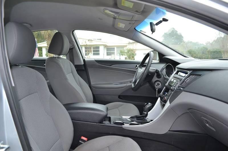 Hyundai Sonata 2011 price $7,380