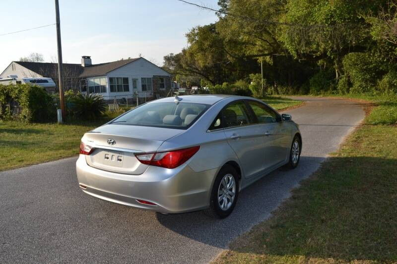 Hyundai Sonata 2011 price $6,190