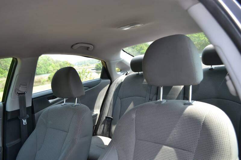 Hyundai Sonata 2012 price $6,900