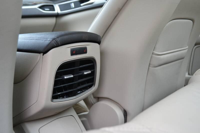 Lincoln MKZ 2016 price $13,675