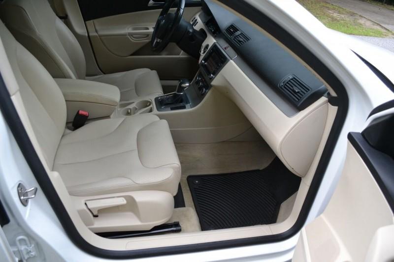 Volkswagen Passat 2010 price $6,500