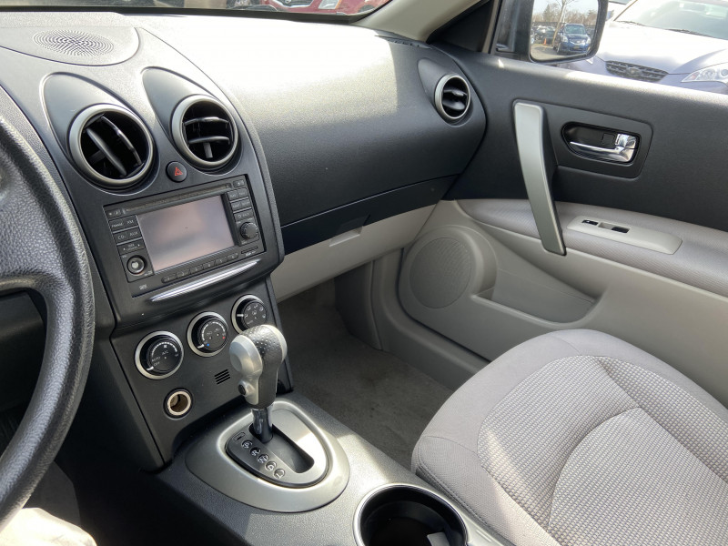 Nissan Rogue 2011 price $8,795