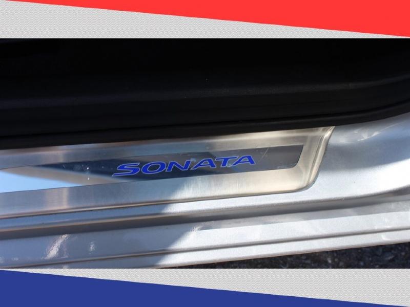HYUNDAI SONATA 2015 price $10,600