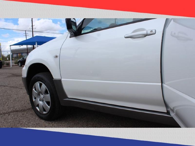 Mitsubishi Outlander 2005 price $4,000