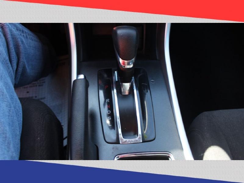 Honda Accord Sdn 2013 price $10,000