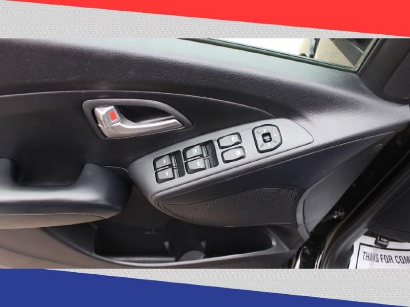 Hyundai Tucson 2013 price $9,000