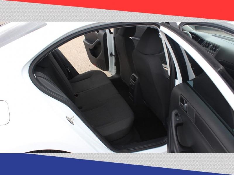 Volkswagen Jetta Sedan 2016 price $10,000