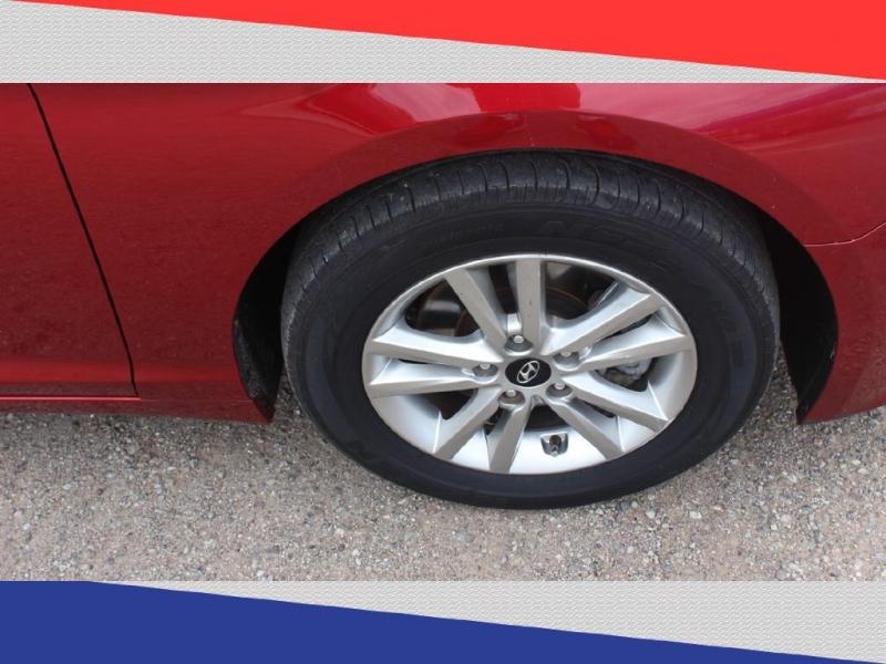 Hyundai Sonata 2016 price $11,900
