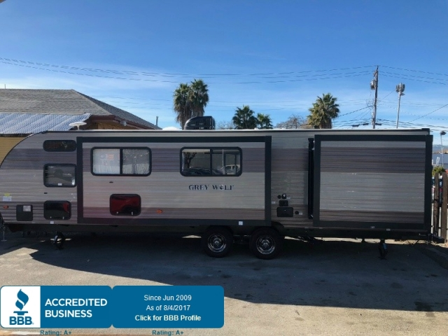 2018 FOREST RIVER GREY WOLF 29DSFB