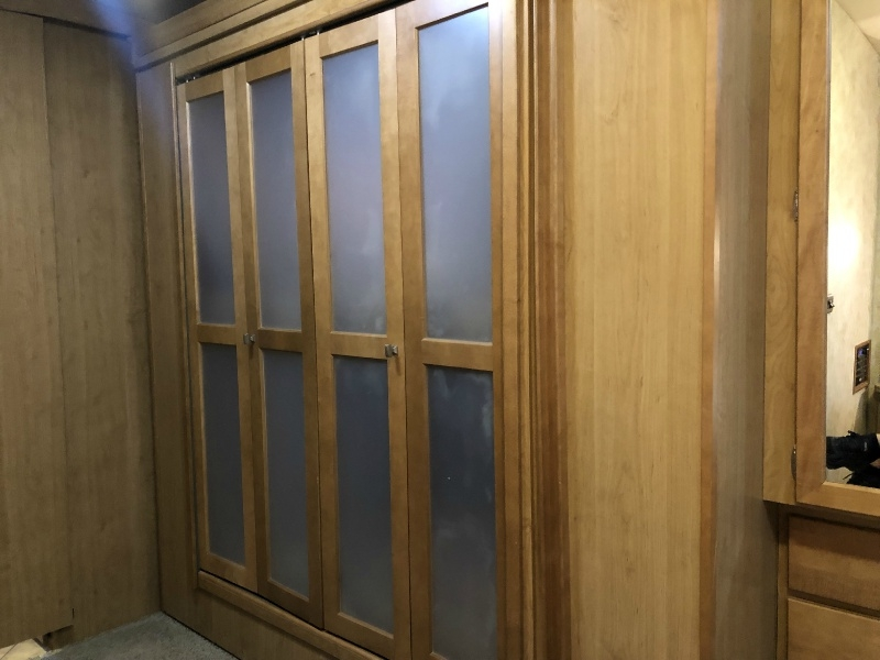 Winnebago ADVENTURER 2009 price $67,995
