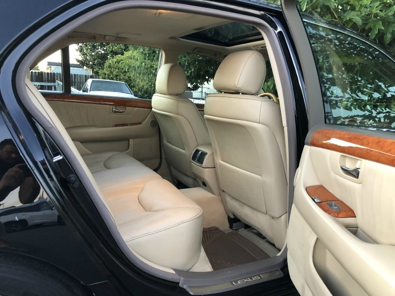 Lexus LS 430 2005 price $8,995